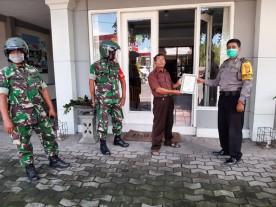 Pemasangan Maklumat Oleh Babinkantibnas Patangpuluhan Kecmatan Wirobrajan